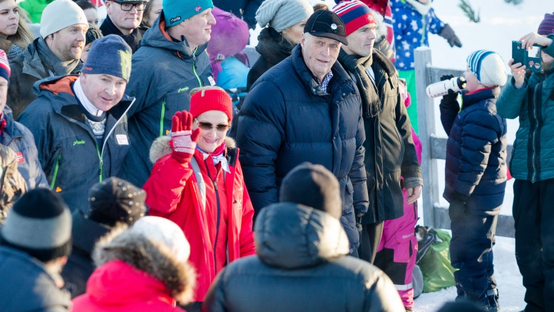 King Harald and Queen Sonja at the Palace Square