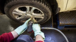 Tire change from winter tires (studded tires) for summer.