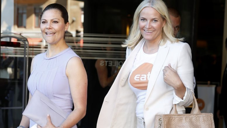 Crown Princess Mette-Marit (R) and Crown Princess Victoria of Sweden