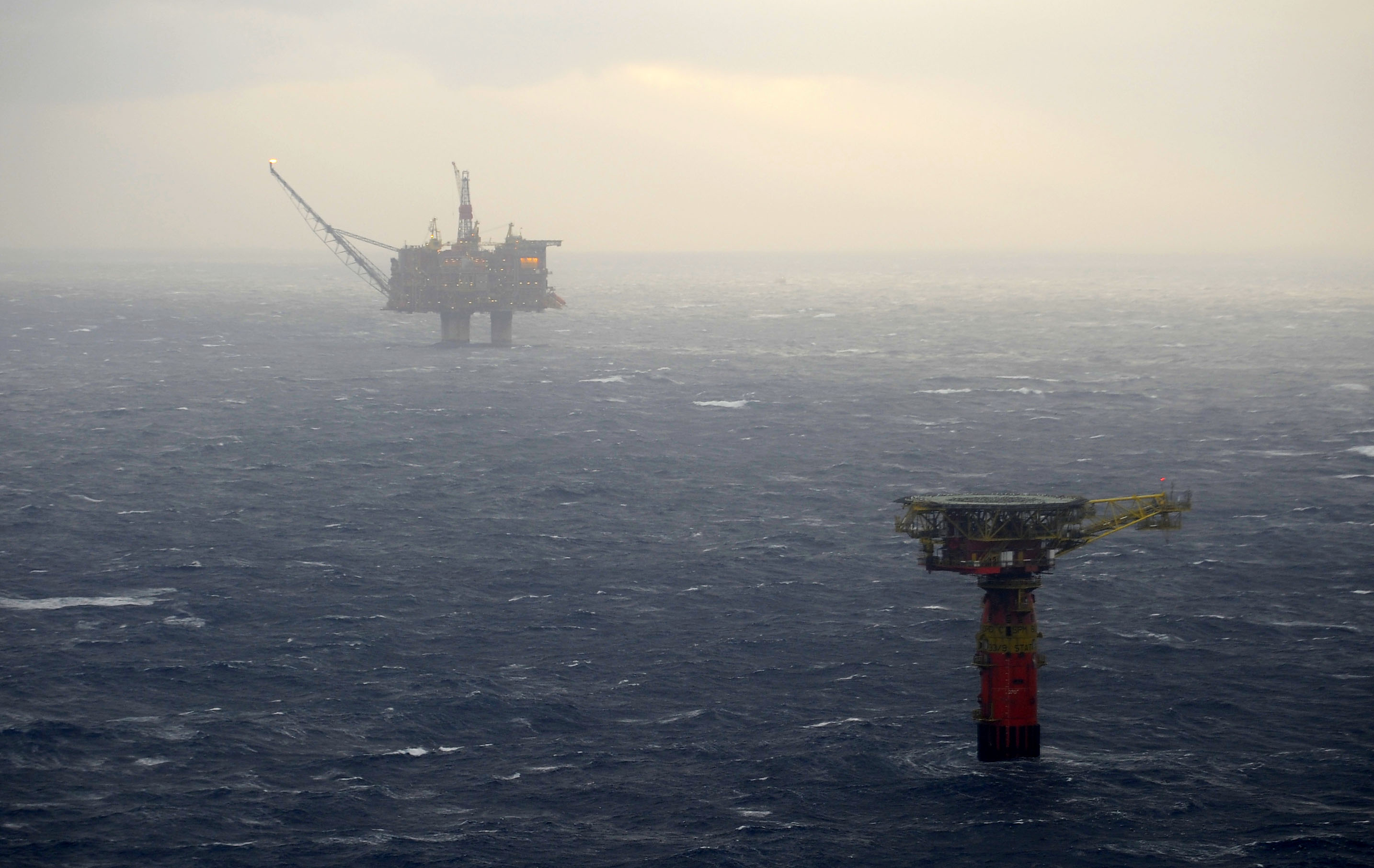 Half of the Norwegian oil rig fleet lack future contracts