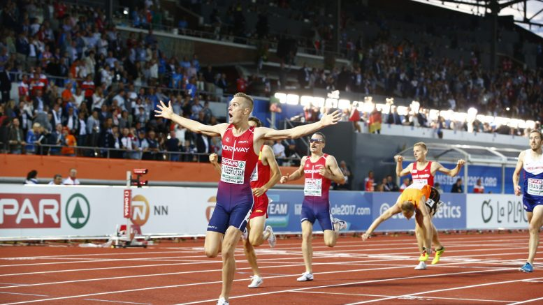 Philip and Henrik Ingebrigtsen after 1500 meters final in Athletics European Championships in Amsterdam Saturday. Jakob Ingebrigtsen