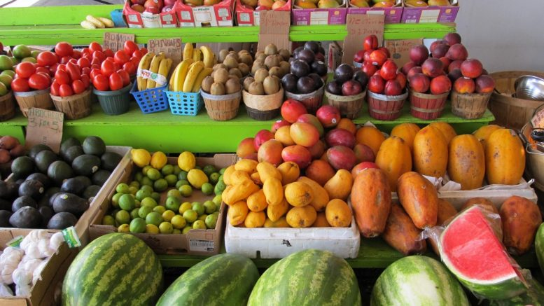 Fruit and vegetables, delivery of food to stores