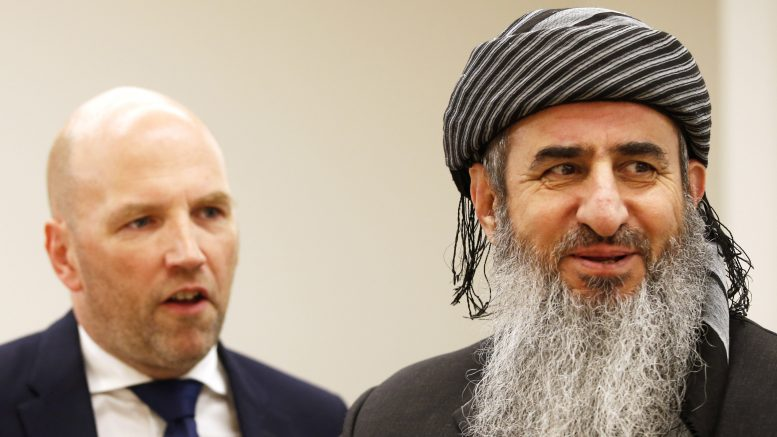 Najumuddin Faraj Ahmad Mullah Krekar (right) and his lawyer Brynjar Meling