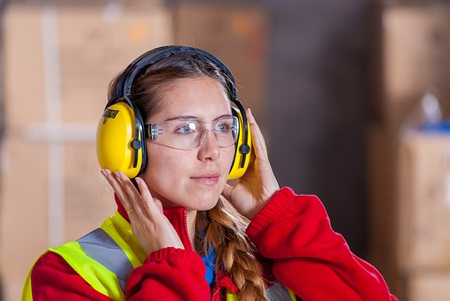 industrial Women work for «free»