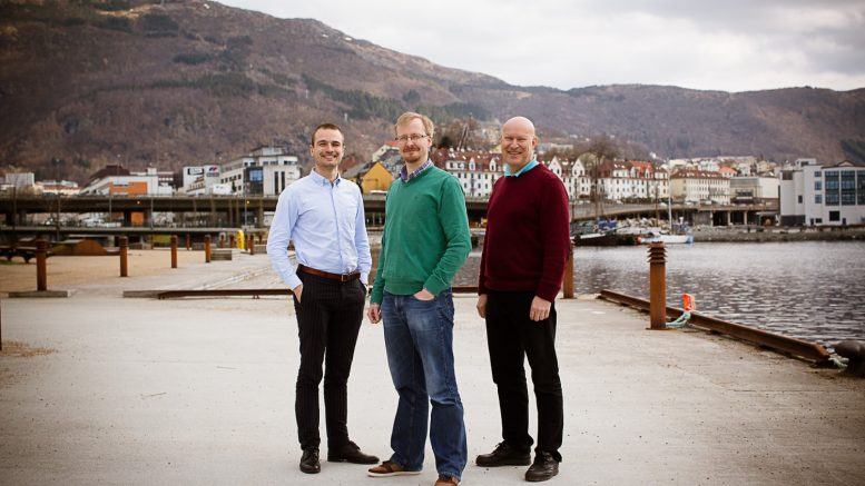 From the Left; Project Manager Arv Håkon Breistøl, Technology Manager Dr. Erling Hugo Jensen and Director Dr. Åsmund Drottning in Rock Physics Technology. Photo: C-picture
