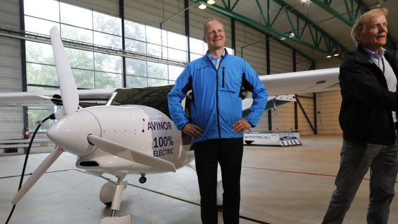Former Minister of Transport, Ketil Solvik-Olsen, Flight-school