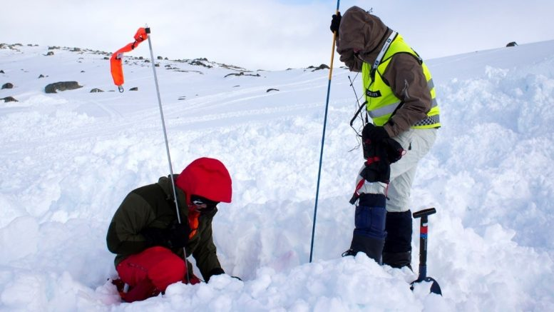 Red Cross avalanche Hikers finse
