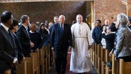 King Harald together with Bishop Bernt Eidsvig in the Catholic Church