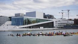 Great Australian Bight. Paddle-out at the Opera Oslo