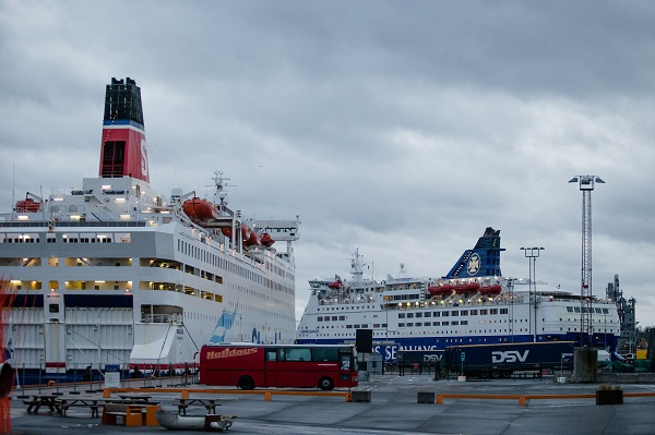 DFDS. Saga and Crown Seaways.