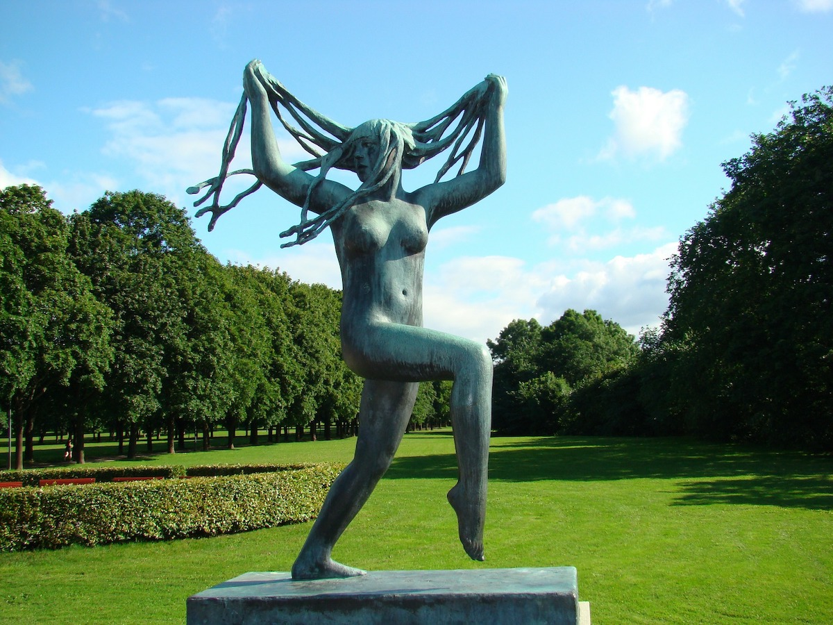 "Vigeland sculpture ""Dancing young woman"""
