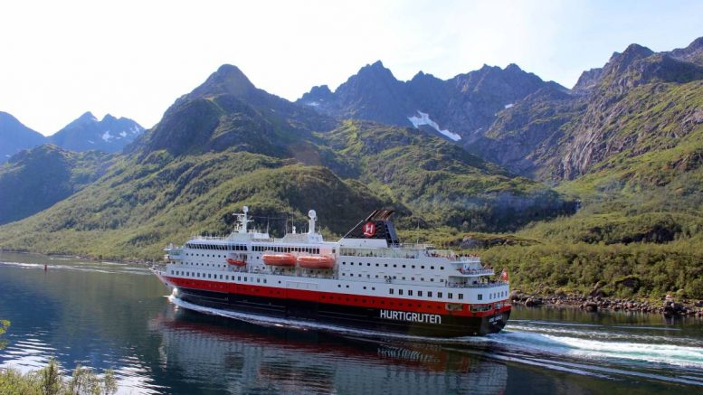Hurtigruten - ferry