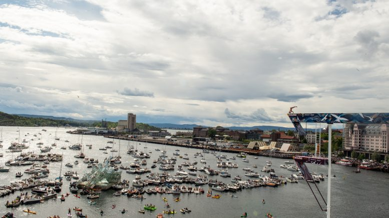Red Bull cliff diving Oslo